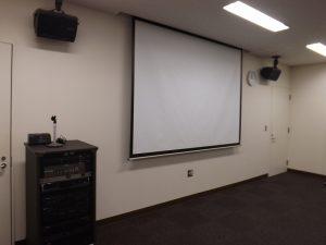 昇降式スクリーン